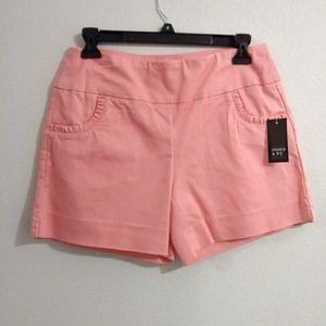 NWT Crown & Ivy Shorts sz 4